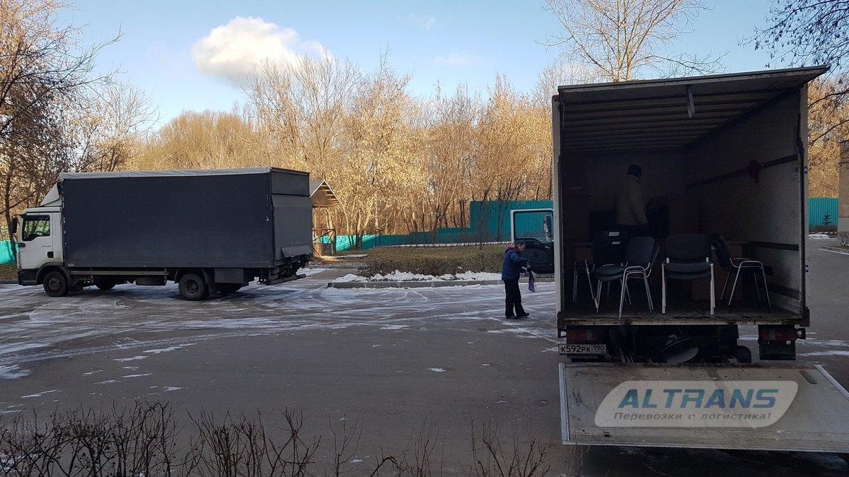 Выгрузка офисного оборудования и мебели с грузовиков
